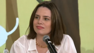 Youtuber Zoe Martínez em entrevista ao Pânico em 1° de março de 2021