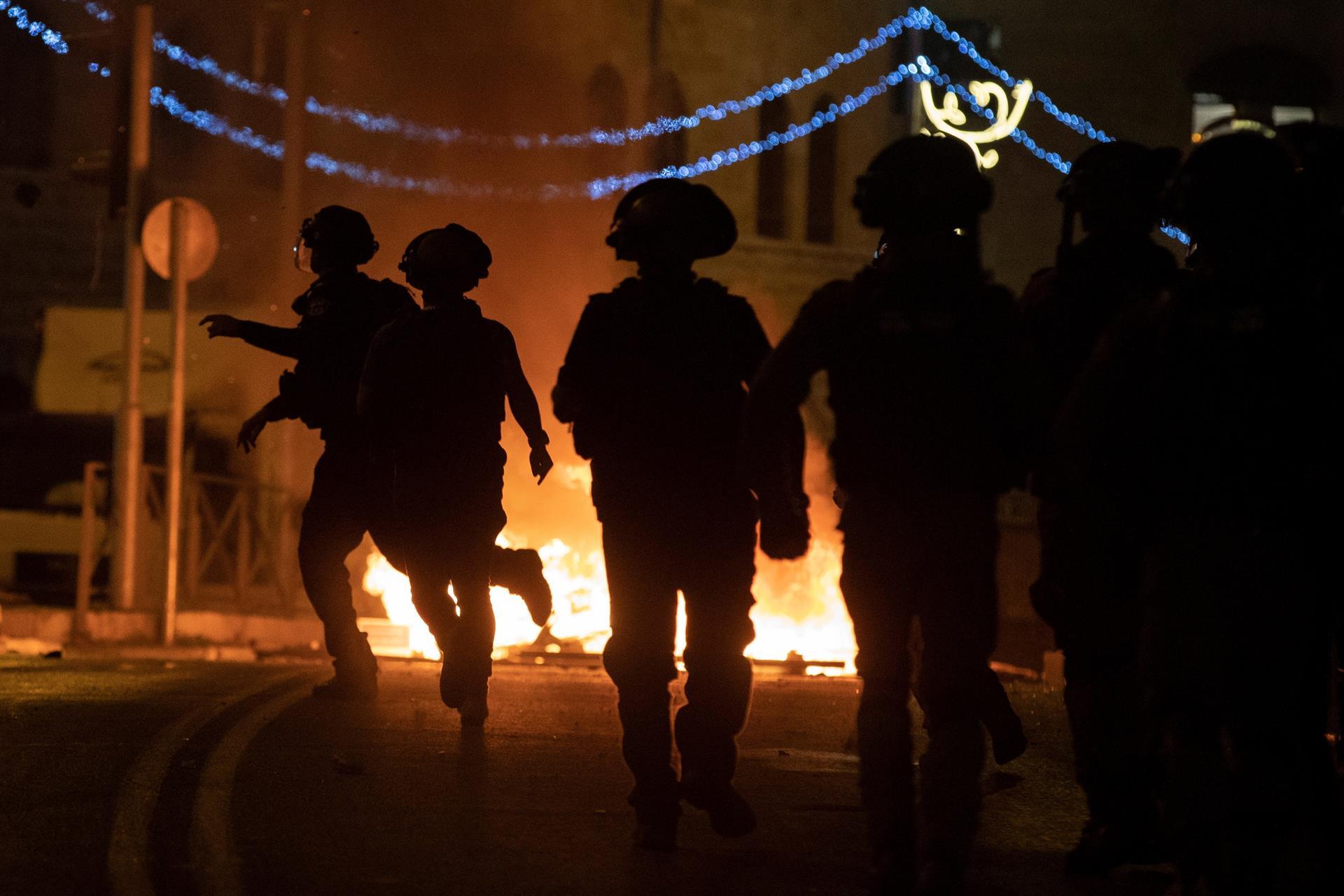 Judeus e palestinos entram em confronto em Jerusalém