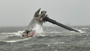 Navio vira na costa de Louisiana, nos Estados Unidos