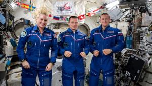 Três astronautas voltaram com segurança para a Terra após passarem seis meses no espaço