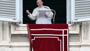 Papa Francisco celebra missa na Praça de São Pedro