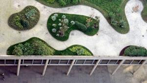 Imagem aérea do jardim projetado por Roberto Burle Marx no prédio do Palácio Gustavo Capanema