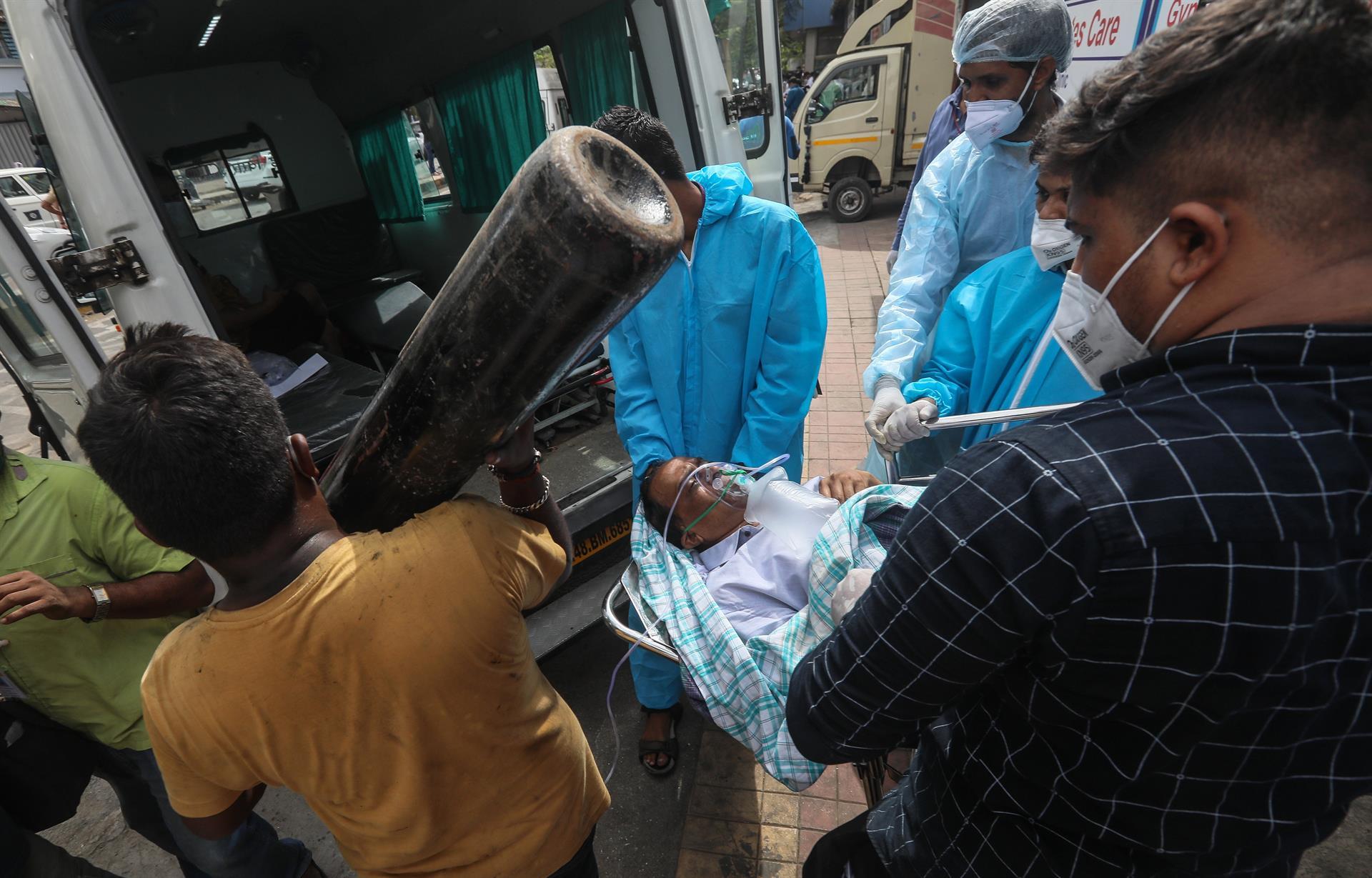 Incêndio em hospital na Índia causa a morte de 13 pacientes com Covid-19