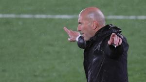 Zidane durante partida entre Real Madrid x Chelsea