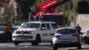 Delegacia em Paris é alvo de um ataque terrorista