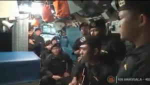 Marinha da Indonésia divulga vídeo de tripulantes do submarino que afundou em Bali