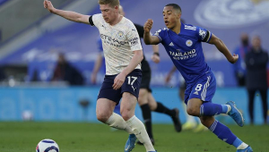 Jogadores do Leicester City durante partida contra o Manchester City