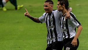 Guilherme Arana comemorando gol do Atlético-MG