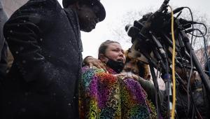 A mãe de Daunte Wright fala sobre o seu filho durante coletiva de imprensa em Minnesota, EUA