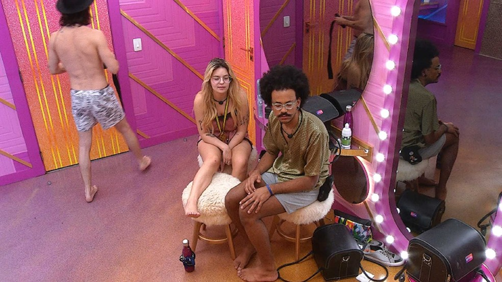 'BBB 21': João diz a Viih Tube que Juliette deu em cima de brothers após a festa – Jovem Pan