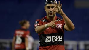 De Arrascaeta comemorando gol do Flamengo contra o Vélez