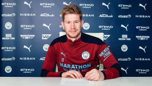 De Bruyne renovo o contrato com o Manchester City até 2025