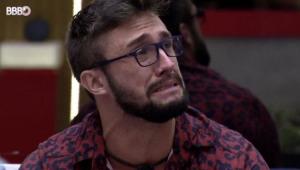 Arthur chorando no BBB 21