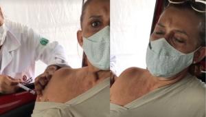 Rita Cadillac sendo vacinada