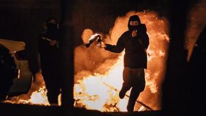 Irlanda do Norte vivencia seis dias de protestos violentos após o Brexit