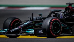 Hamilton durante treino em GP de Portugal