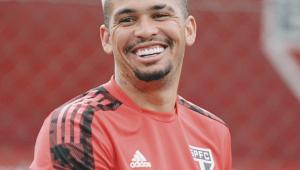 Luciano durante treinamento no São Paulo