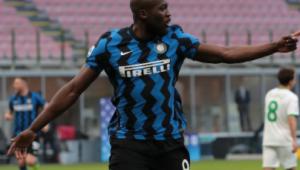 Romelu Lukako comemora gol da Inter de Milão