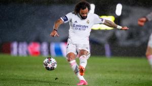 Marcelo em ação durante Real Madrid x Chelsea