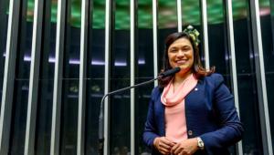 Deputada Maria Rosas testa positivo para Covid-19