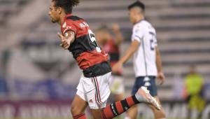 Na estreia da Libertadores, Flamengo vence de virada o Vélez Sársfield