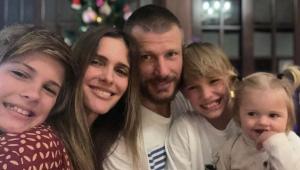 Imagem de Fernanda Lima, Rodrigo Hilbert e seus três filhos no natal