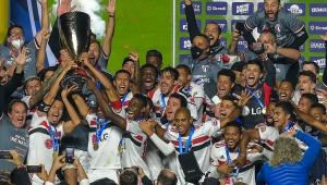 Jogadores e comissão técnica do São Paulo comemoram título do Paulistão sobre o Palmeiras