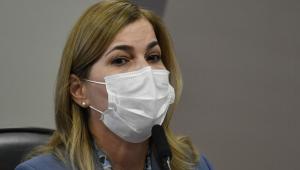 A secretária do Ministério da Saúde, Mayra Pinheiro, durante pronunciamento na CPI da Covid-19
