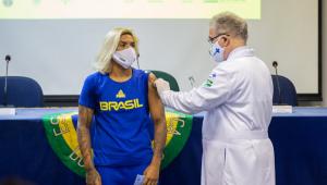 Atletas olímpicos e paraolímpicos começaram a ser vacinados nesta sexta-feira, 14 de maio