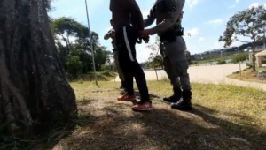 O Youtuber Filipe Ferreira é preso por policial militar