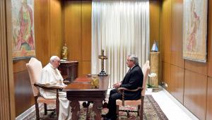Papa Francisco recebe o presidente da Argentina, Alberto Fernández, em audiência privada no Vaticano