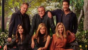 Pôster do especial Friends The Reunion com todos os protagonistas