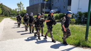 200 policiais são mobilizados para procurar suspeito de ataque no oeste da França