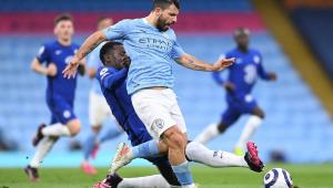 Aguero perdeu um pênalti na derrota do Manchester City para o Chelsea