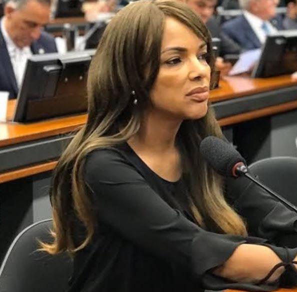 A deputada federal Flordelis durante sessão na Câmara dos Deputados