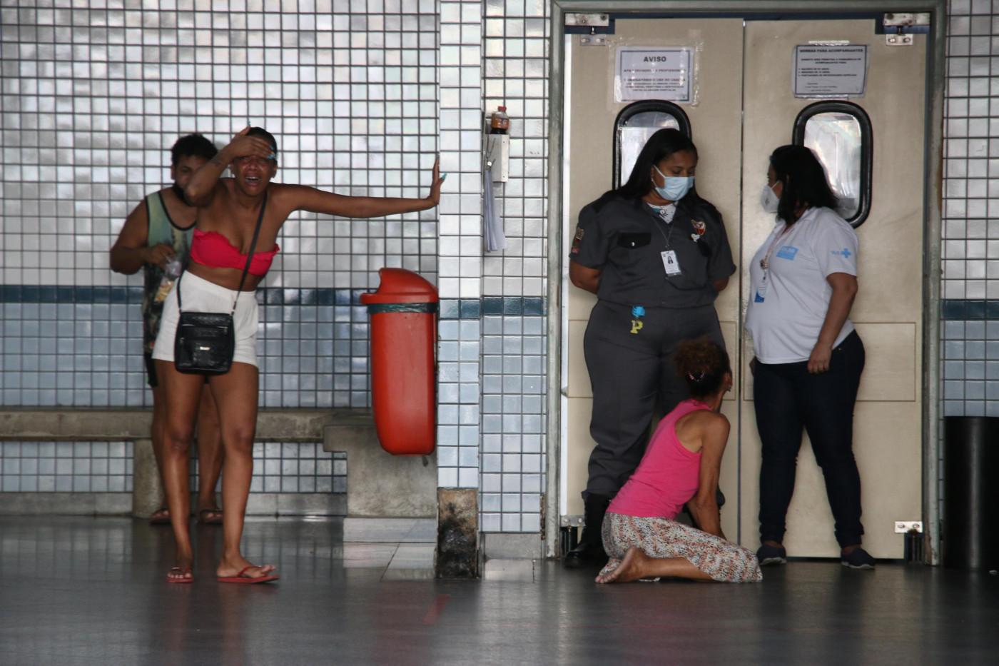 mulheres em hospital do rio