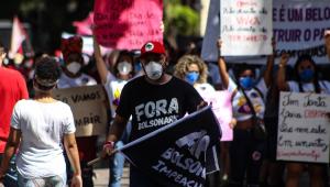 Manifestantes protestam contra o governo federal e pedem o impeachment de Jair Bolsonaro
