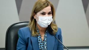 Secretária de máscara na CPI da Covid-19