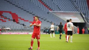 Lewandowski marcou três vezes na partida que garantiu o 31º título do Bayern no Alemão