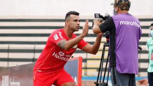 Liliu, atacante do Sport Huancayo, é o principal jogador do time peruano, que enfrenta o Corinthians
