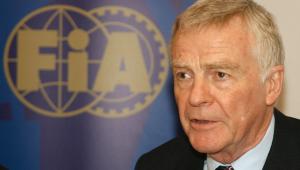 Max Mosley, ex-presidente da FIA, morreu aos 81 anos