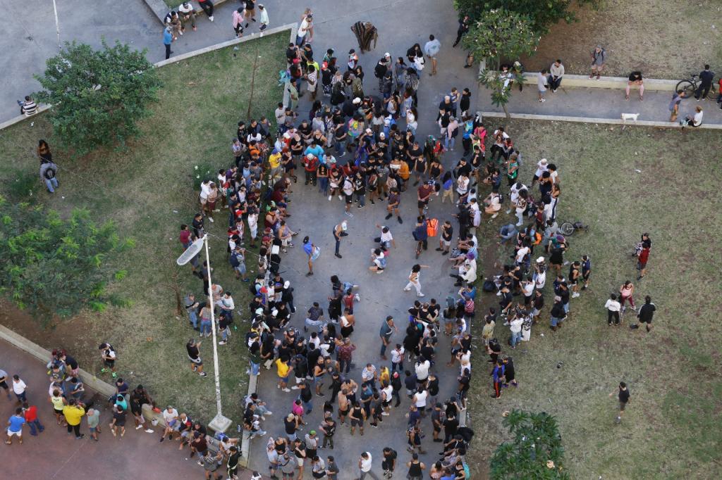 Praça Roosevelt vira palco de aglomerações nos finais de semana: 'Roleta-russa do vírus' – Jovem Pan