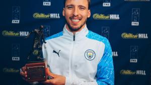 Rúben Dias foi eleito o melhor jogador do futebol inglês na temporada 2020/21