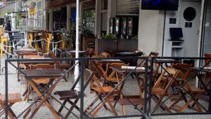 Integrando os segmentos de bares, restaurantes e viagens, a prestação de serviço foi o setor mais impacto pelas medidas de isolamento social