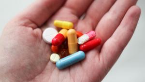 Remédios emagrecedores não são indicados para pessoas saudáveis que desejam emagrecimento rápido