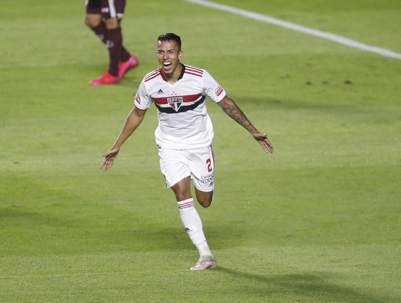 igor vinícius comemora gol do São Paulo