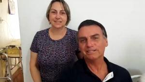 Irmã de Bolsonaro ao lado do presidente