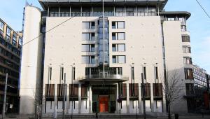 fachada do tribunal de oslo