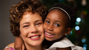 Leandra Leal e a filha Júlia