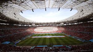 Visão panorâmica da Arena Puskás totalmente lotada para o jogo entre Hungria e Portugal